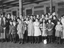 immigrant-children-ellis-island-1140x855